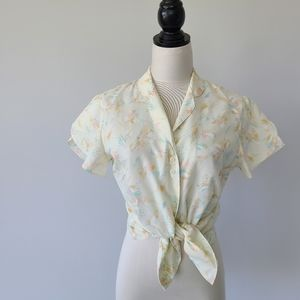 Vintage 70s Pale Yellow Floral Flutter Sleeve Top